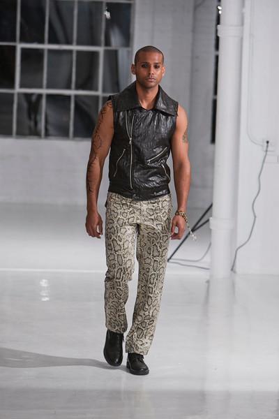 Darius Wobil - Fashion Wk 2011_0144