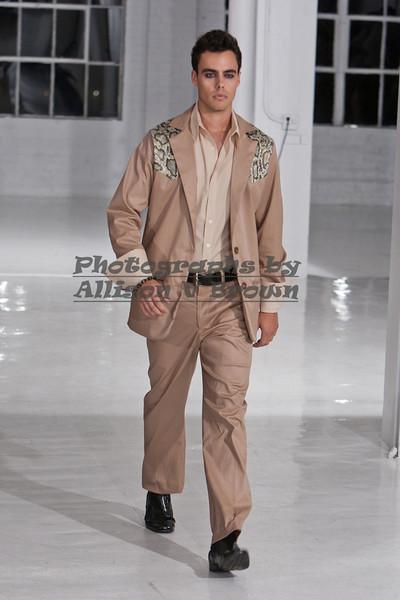 Darius Wobil - Fashion Wk 2011_0058