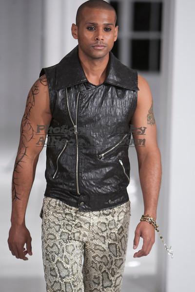 Darius Wobil - Fashion Wk 2011_0149