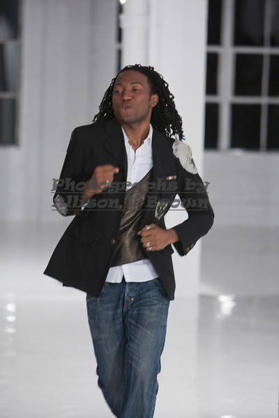 Darius Wobil - Fashion Wk 2011_0232