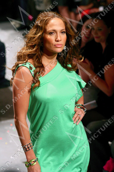 "NEW YORK, NY - September 11:  Jennifer Lopez at The JustSweet Spring 2008 Fashion Show (by Jennifer Lopez J. Lo) at EyeBeam, 540 W21st St on September 11, 2007 in NEW YORK, NY.  (Photo copyright 2007 Steve Mack)  Note: These images are are available for licensing through <a target=""_blank"" title=""Licensing through The Everett Collection"" href=""http://www.everettcollection.com"">The Everett Collection</font></a>."