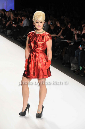 Kelly Osbourne<br /> <br /> photo by Rob Rich © 2010 robwayne1@aol.com 516-676-3939