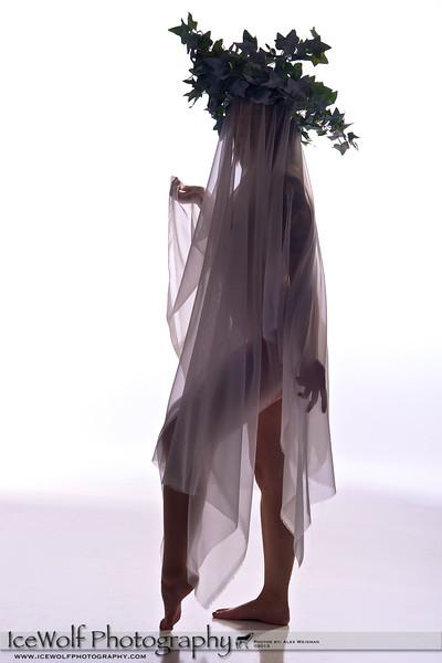 Model: Taylor Sullivan<br /> Hair/Makeup: Self<br /> Photographer: Alex Weisman