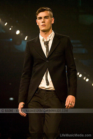 Papillon Homme Femme  - LMFF - Independent Runway  Photographer: Naomi R  LifeMusicMedia.com