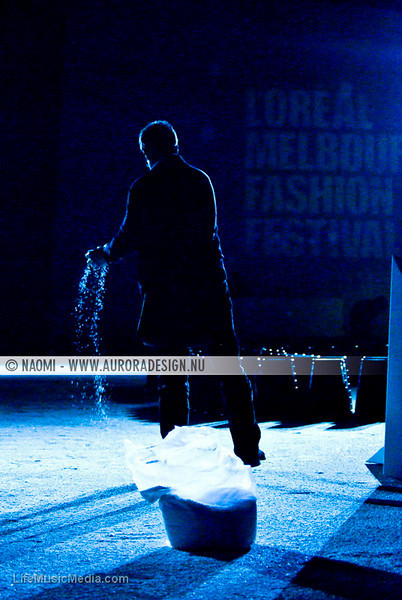 Making sure the runway sparkles