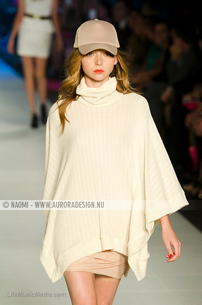 L'Oreal Melbourne Fashion Festival 2012 - Runway 5 - Presented by Cosmopolitan