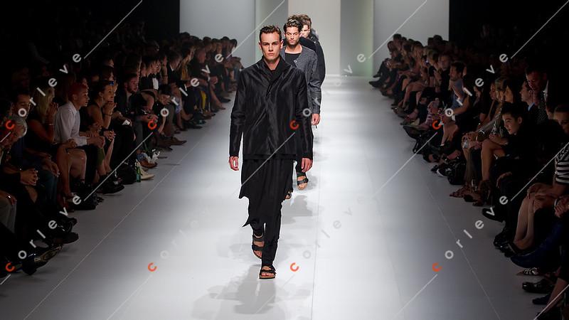 2011 L'Oreal Melbourne Fashion Festival - Paris Runway 2