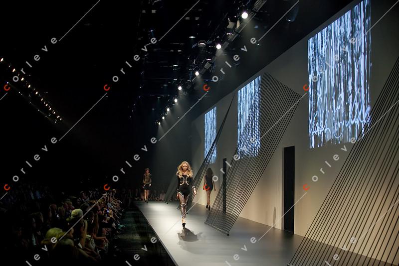 presented by GRAZIA<br /> Alice McCall, camilla and marc, Collette<br /> Dinnigan, Fleur Wood, LIFEwithBIRD,<br /> Nicola Finetti, sass & bide, Toni Maticevski<br /> Venue: Peninsula,<br /> Central Pier, Docklands