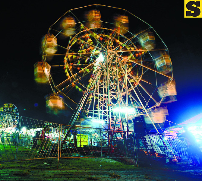 Ferris Wheel at the Kasadya sa SRP (Photo by Allan Defensor of Sun.Star Cebu)