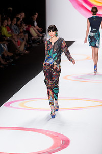 Desigual Fashion Show Pictures - SocialNetwork.com