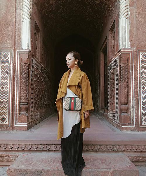 Monk jacket from Jul Oliva, dress from Zara Trafaluc, bag from Gucci