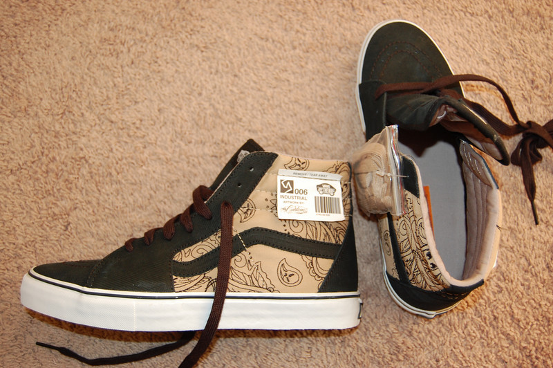 Mr. Cartoon x Vans Syndicate Sk8 Hi