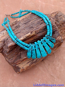 (1) Turquoise Choker/Necklace - 18""