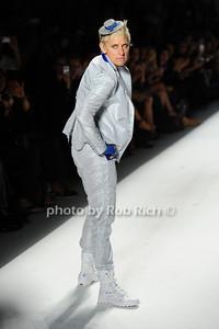 Ellen Degeneres photo by Rob Rich © 2010 robwayne1@aol.com 516-676-3939