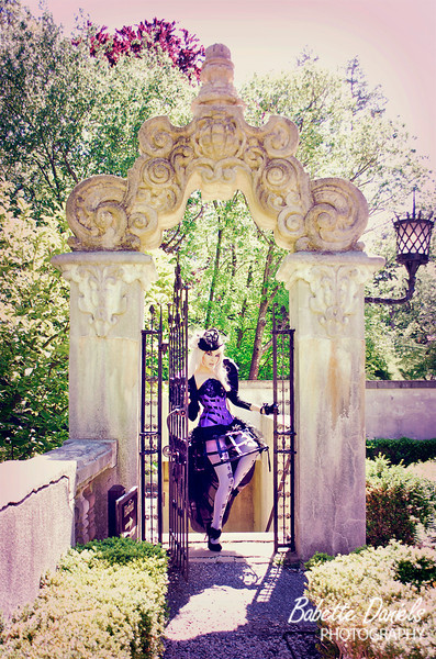 Kassandra wearing Sweet Carousel Corsetry & makeup by Geek Chic Cosmetics!