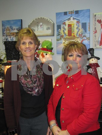 Cindy Vinson and Eileen Helmers of Tea Thyme.