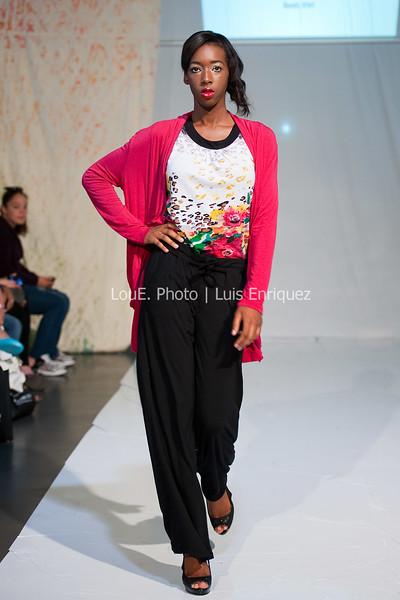 LouEPhoto Clothing Show Runway 9 24 11-16
