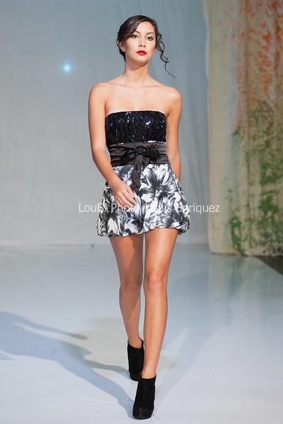 LouEPhoto Clothing Show Runway 9 24 11-46