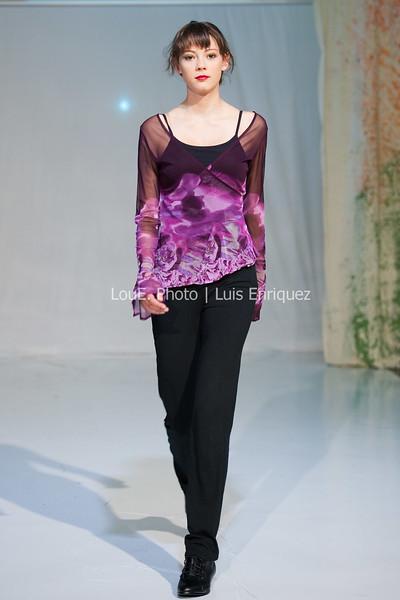 LouEPhoto Clothing Show Runway 9 24 11-21