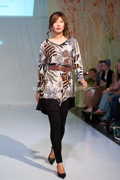 LouEPhoto Clothing Show Runway 9 24 11-19