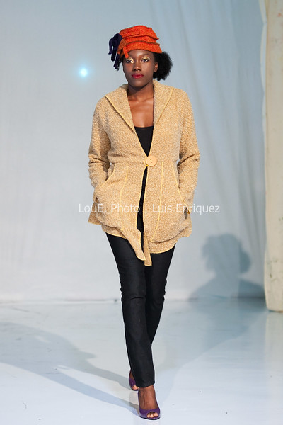 LouEPhoto Clothing Show Runway 9 24 11-1