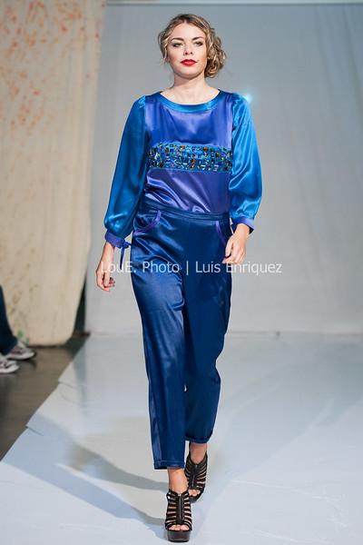 LouEPhoto Clothing Show Runway 9 24 11-35