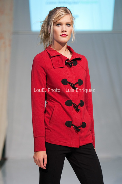 LouEPhoto Clothing Show Runway 9 24 11-82