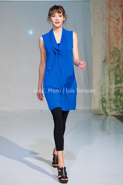 LouEPhoto Clothing Show Runway 9 24 11-76