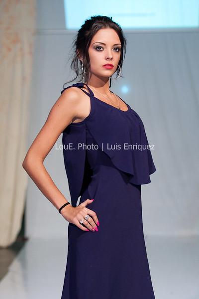 LouEPhoto Clothing Show Runway 9 24 11-113