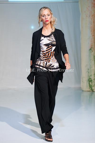 LouEPhoto Clothing Show Runway 9 24 11-9