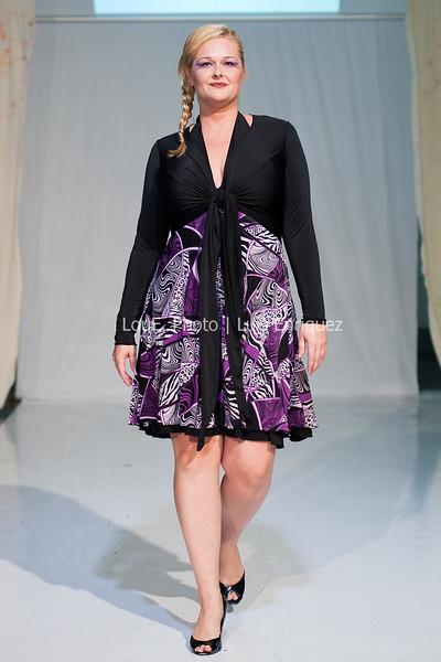 LouEPhoto Clothing Show 9 25 11-216