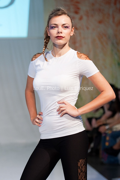 LouEPhoto Clothing Show 9 25 11-28