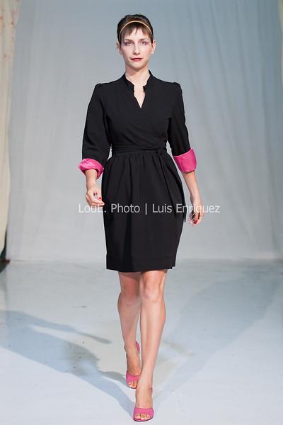 LouEPhoto Clothing Show 9 25 11-236