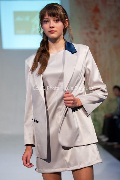 LouEPhoto Clothing Show 9 25 11-117