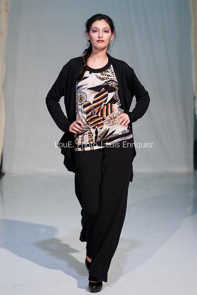 LouEPhoto Clothing Show 9 25 11-101