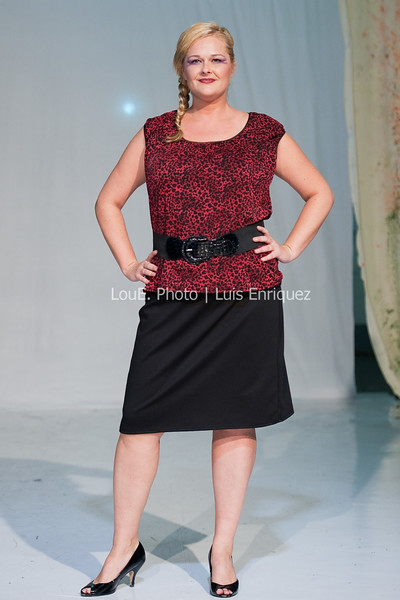 LouEPhoto Clothing Show 9 25 11-250
