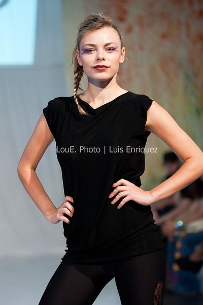 LouEPhoto Clothing Show 9 25 11-20