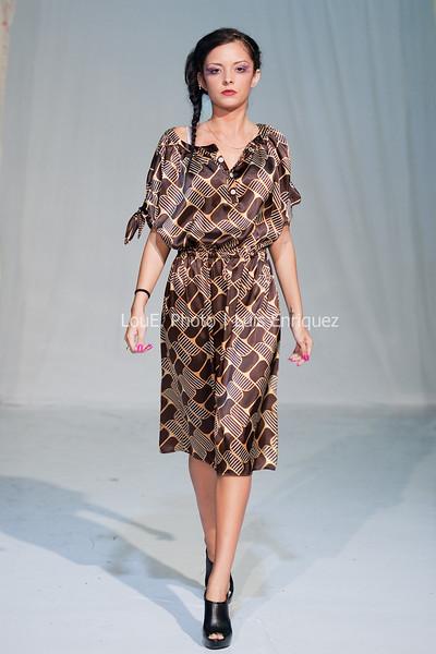 LouEPhoto Clothing Show 9 25 11-186