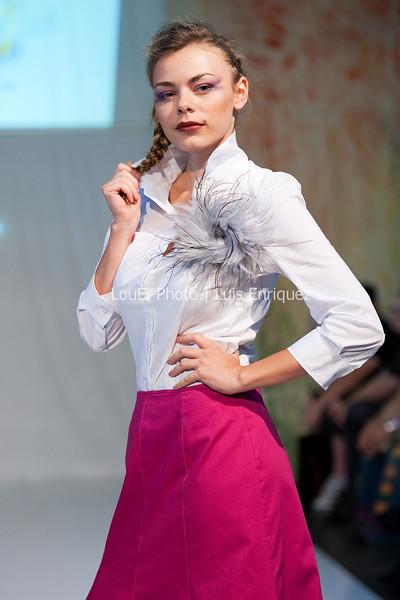LouEPhoto Clothing Show 9 25 11-53