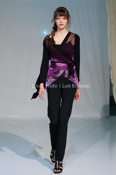 LouEPhoto Clothing Show 9 25 11-103