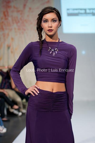 LouEPhoto Clothing Show 9 25 11-208