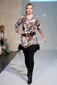 LouEPhoto Clothing Show 9 25 11-95
