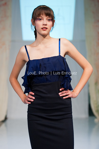 LouEPhoto Clothing Show 9 25 11-221