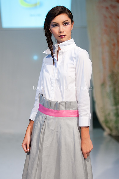 LouEPhoto Clothing Show 9 25 11-55