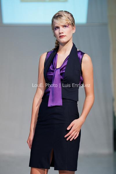 LouEPhoto Clothing Show 9 25 11-110