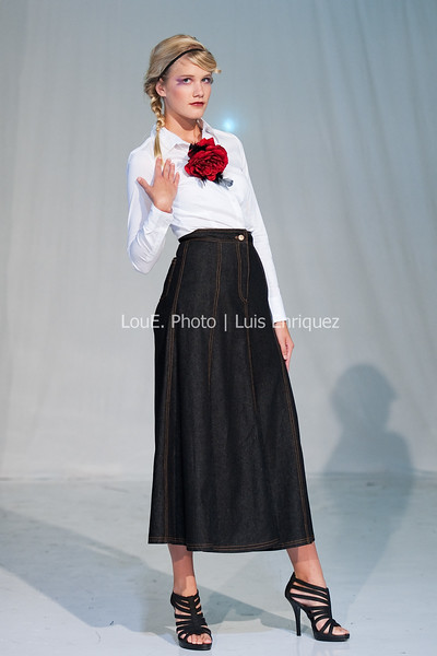 LouEPhoto Clothing Show 9 25 11-143