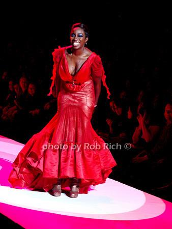 Estelle<br /> photo by Rob Rich © 2010 robwayne1@aol.com 516-676-3939
