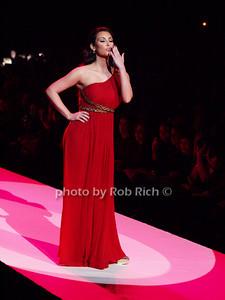 Kim Kardashian photo by Rob Rich © 2010 robwayne1@aol.com 516-676-3939