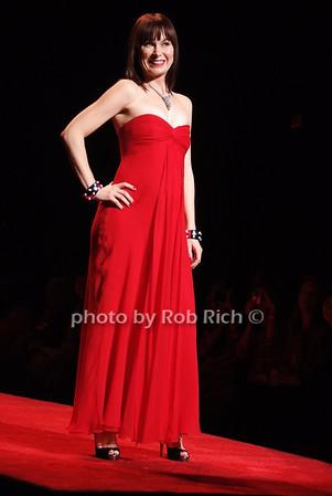 Maria Menounos photo by Rob Rich © 2008 516-676-3939 robwayne1@aol.com