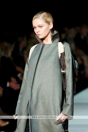 VAMFF 2014 - Runway 1 - Miss Vogue